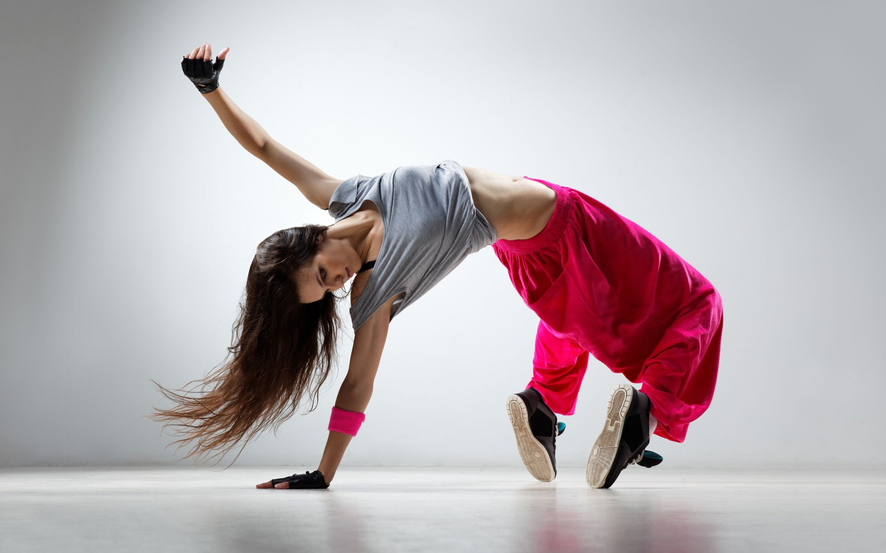 Hip hop dance by a girl hd desktop wallpaper widescreen backgrounds httpworldbuyersshopwp voltagebd Images